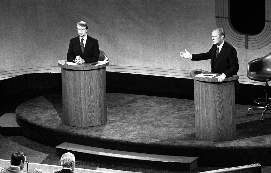 carter_and_ford_in_a_debate__september_23__1976.jpg
