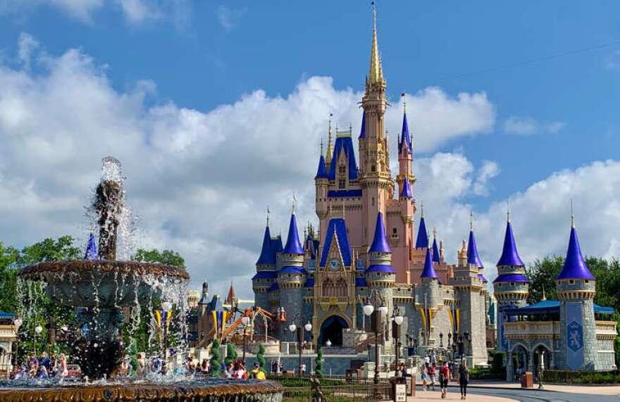 disney-world-magic-kingdom-castle-web-photo-allison-varney.jpg
