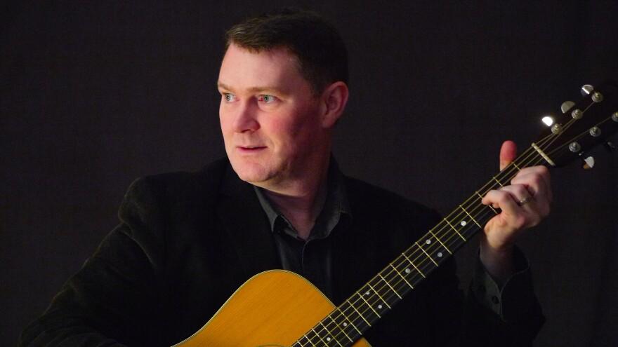 Folk musician Rory Makem will perform in Dayton in July.