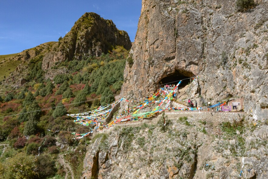 New research links bones found in a famous cave in Tibet to the little-known Denisovans, a group of now-extinct hominins. The cave faces the southeast, sitting about 40 meters above the modern Jiangla riverbed.