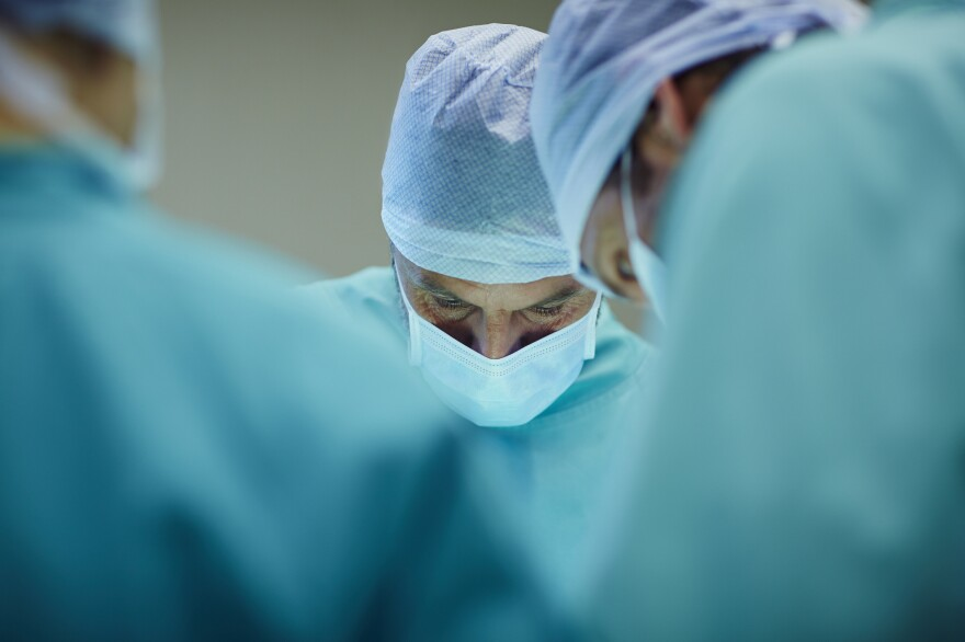 Choosing a surgeon can be tricky. It starts with making sure you really need the surgery, and then finding an experienced specialist you can trust.