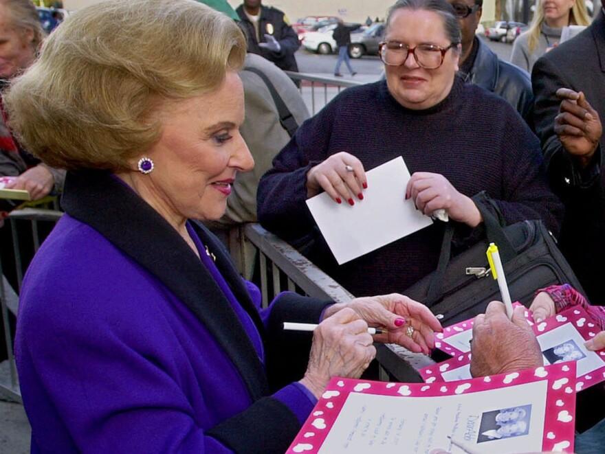 """Dear Abby"" columnist Pauline Phillips, seen here in 2001, died Wednesday."