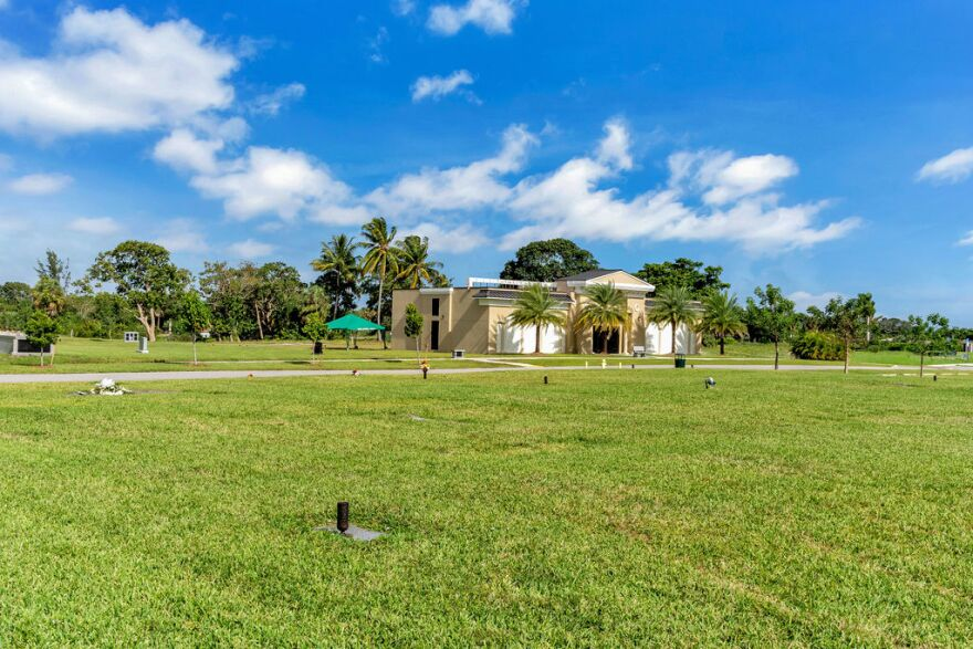 Fairway Memorial Gardens, a cemetery in Deerfield Beach, is trying to hold more graveside services and is livestreaming during the coronavirus outbreak.