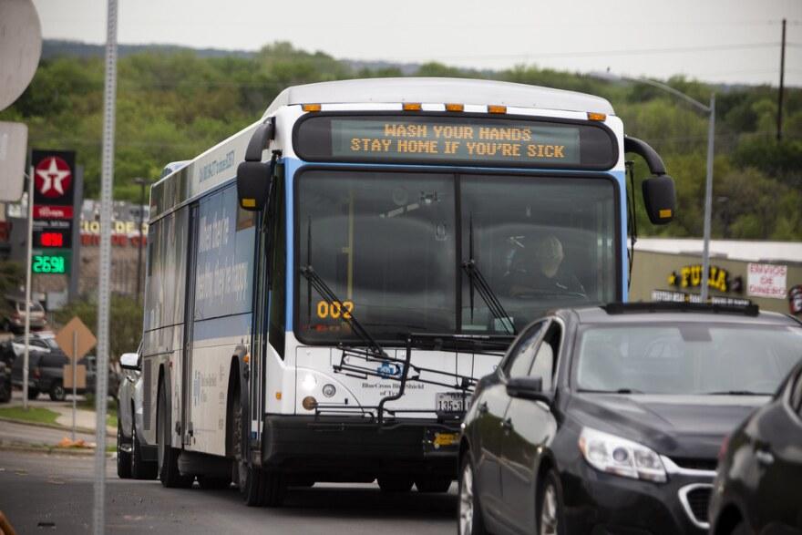 cap_metro_bus_gabriel.jpg