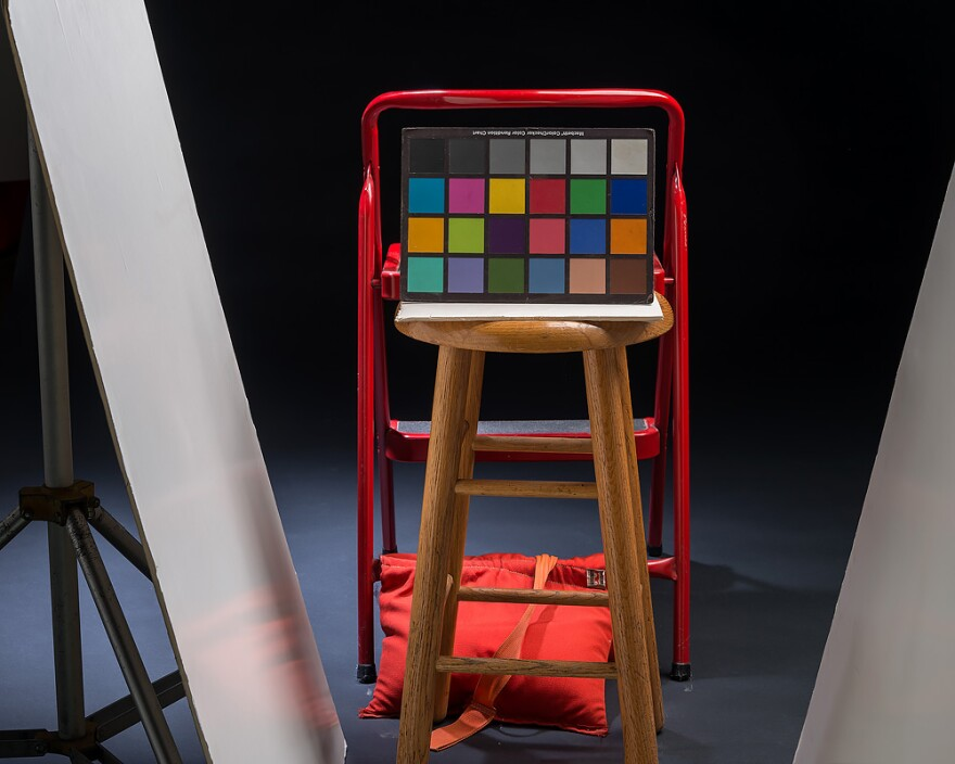 color_checker_with_step_ladder.jpg