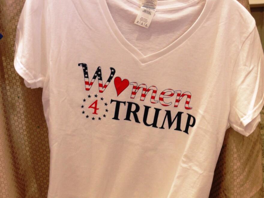 Women 4 Trump T-Shirt