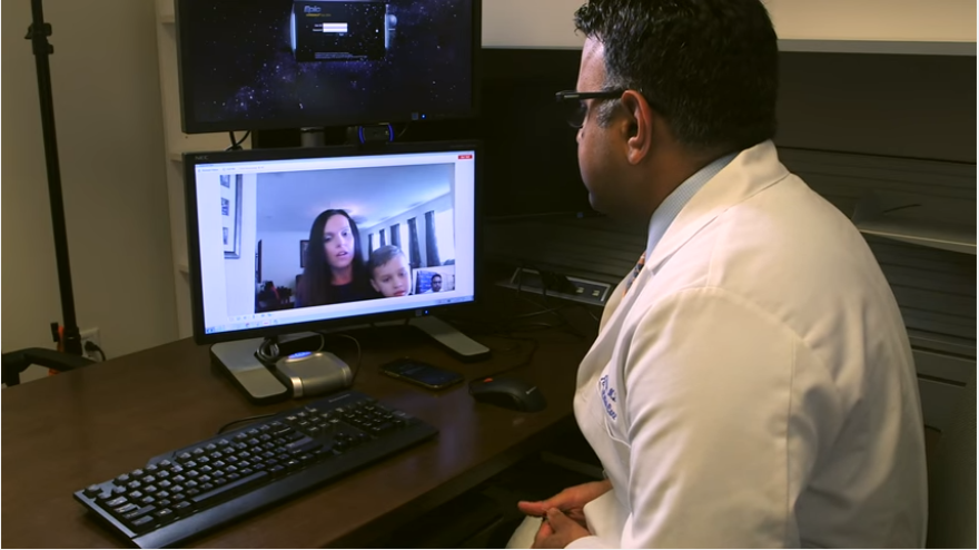 Doctor speaks to patient on an online live chat