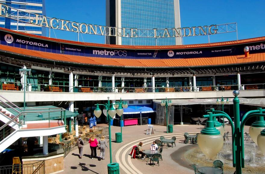 jacksonville_landing_lonestarmike_wikimedia-2010-02-d.jpg