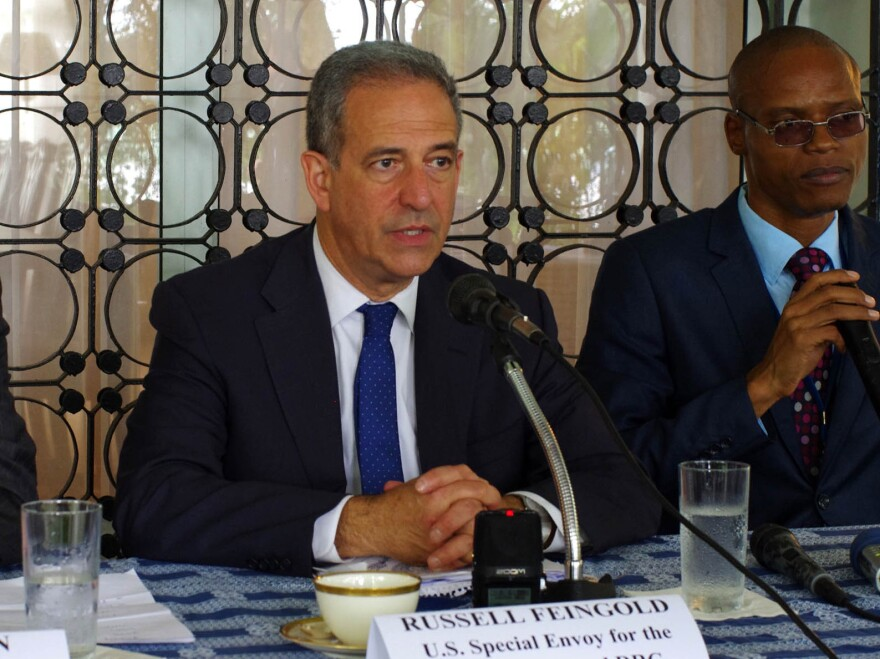 Russ Feingold (center), U.S. special envoy for the Great Lakes and the Democratic Republic of the Congo, gives a press conference in Kinshasa on the last day of his fact-finding trip to the DRC, on Jan. 28.