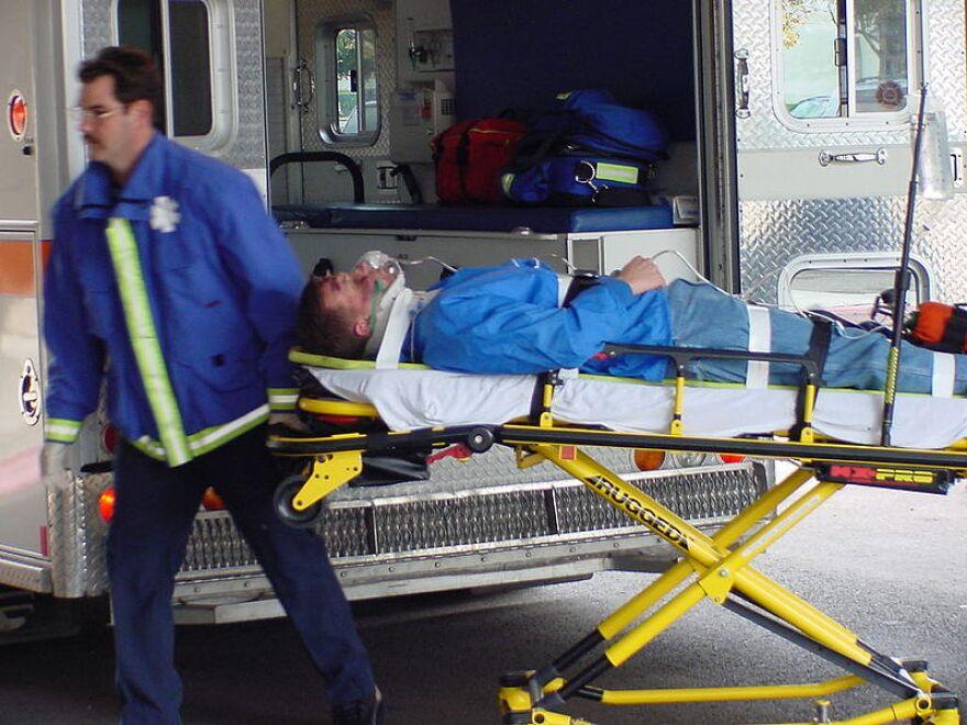 Ambulance_Stretcher.jpg