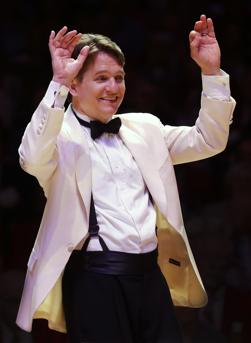 Keith_Lockhart_with_the_Boston_Pops_(Winslow_Townson).jpg