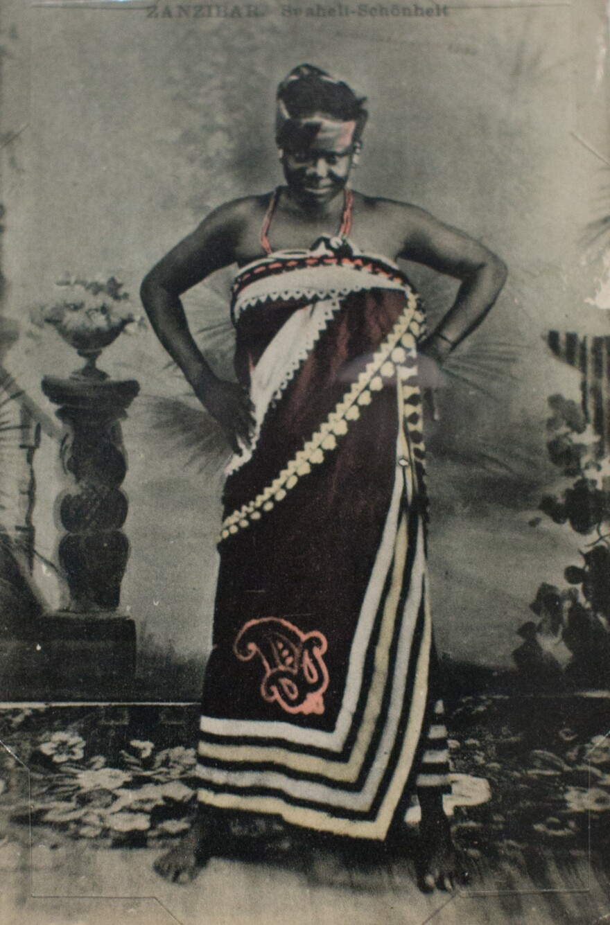 <em>Zanzibar, Suaheli Schonheit</em> by A.C. Gomes & Son. Photograph taken before 1900; postcard printed between 1907 and 1910 by C.A.W. Grun.