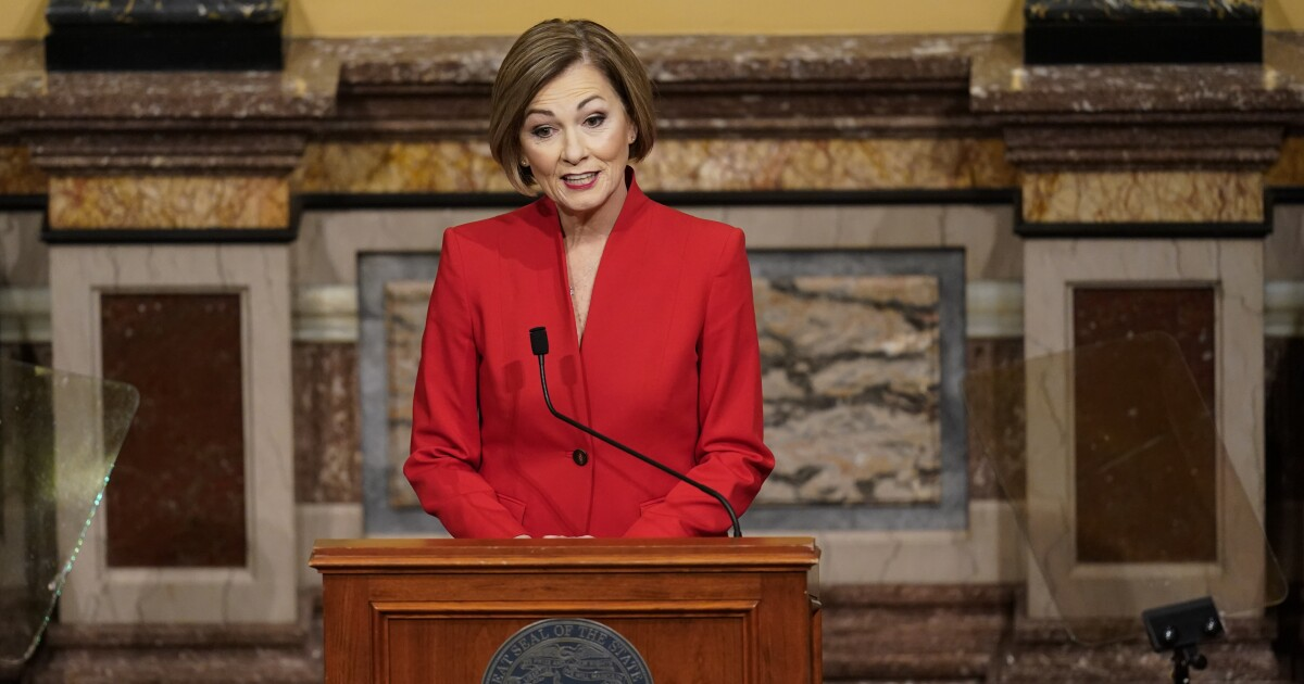 Iowa Governor Signs Law Cutting Time Allowed For Voting