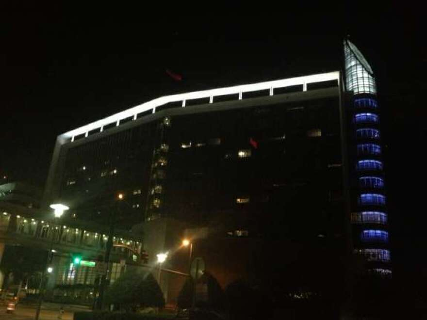 Florida_Hospital_Orlando_-_night.jpg