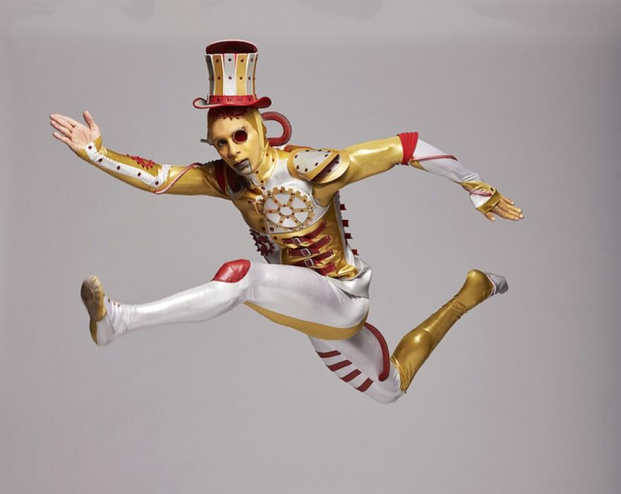 101018_lh_lamin_pereira_dos_santos_as_tin_man_kc_ballet_by_kenny_johnson.jpg