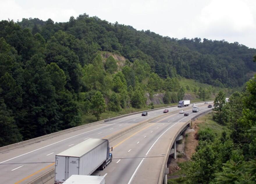 West_Virginia_Turnpike_Fayette_County.jpg