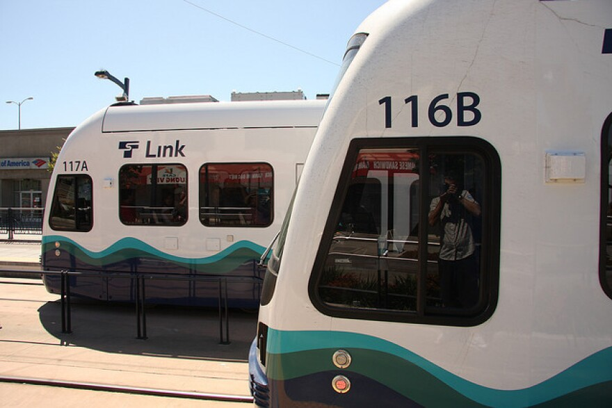 Seattle_Light_Rail.jpeg