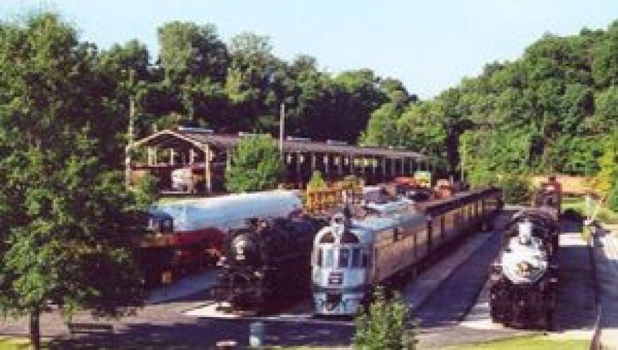 Trains at Museum of Transportation (2008, 300 pxls)
