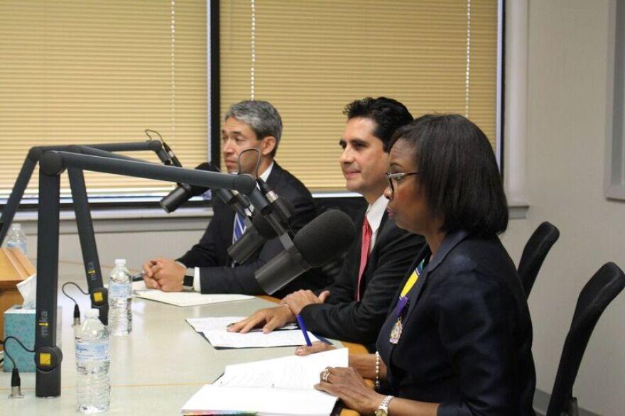 mayoral_candidates_debate.jpg