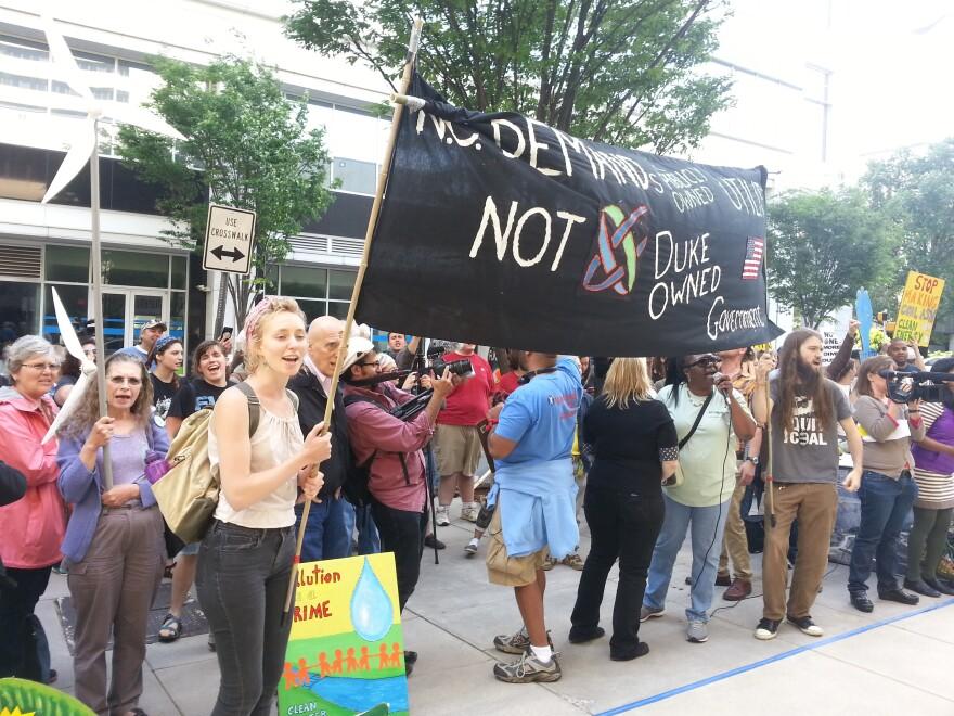 DUKE_Shareholders_050114_Protesters.jpg