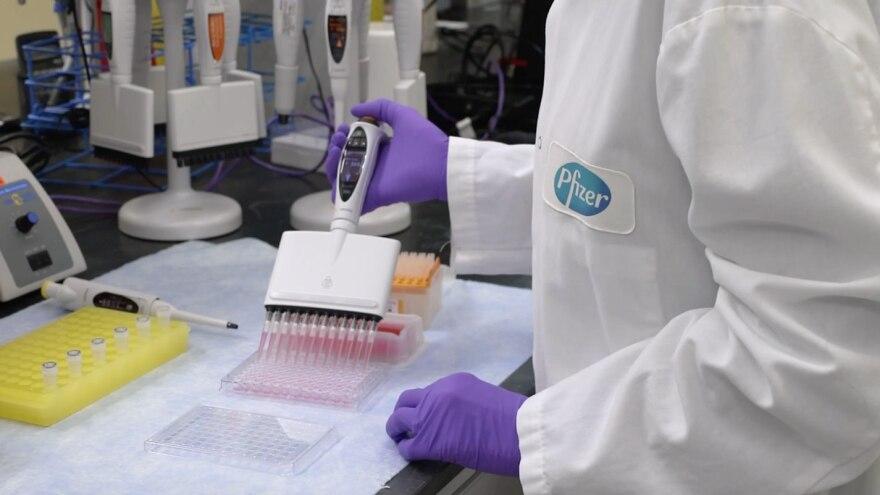 pfizer_lab-coronavirus-vaccine.jpg