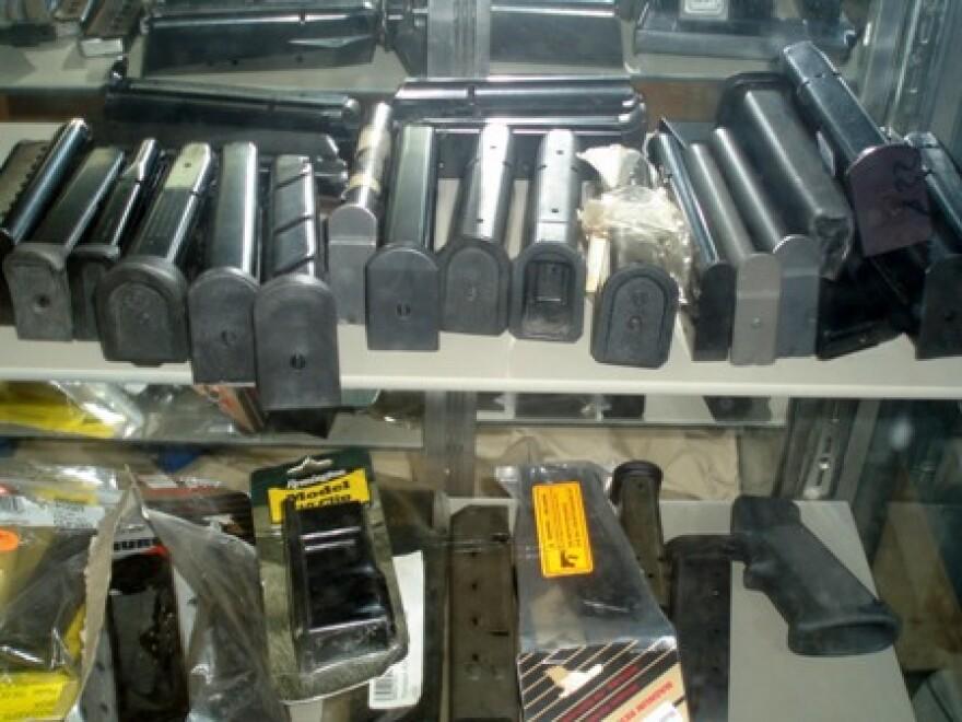 guns_and_ammunition_007.jpg