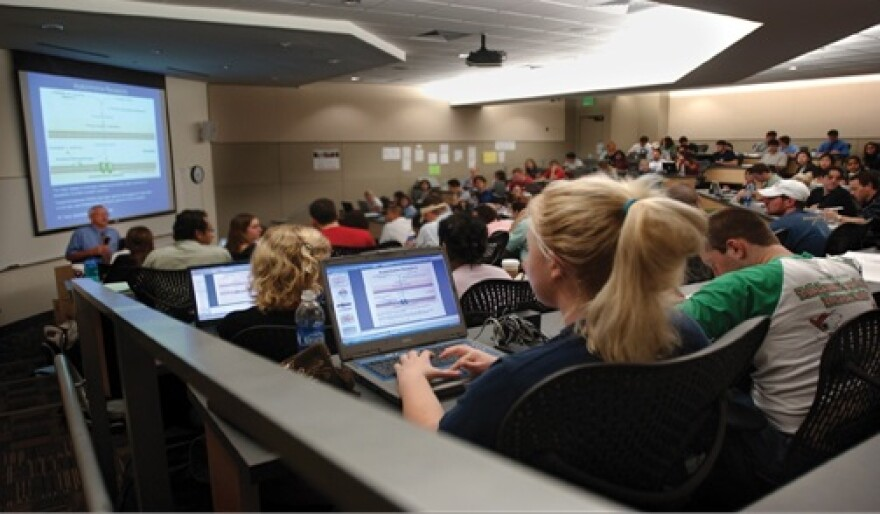 USF_Lecture_Hall.jpg