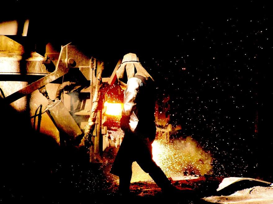 smelter-aluminum-factory-steel-plant-597529_1920.jpg