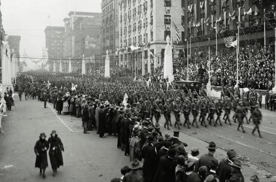 WWI_parade.jpg