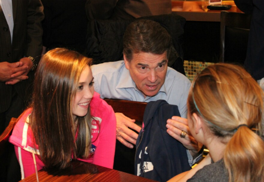 Perry-with-Kids.jpg