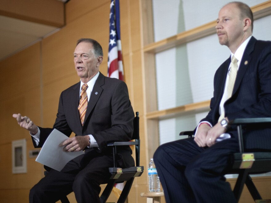 FAA Administrator Randy Babbitt (left) and National Air Traffic Controllers Association President Paul Rinaldi met with Atlanta-based air traffic controllers Monday to discuss new rules governing schedules in the hopes of reducing incidents of sleeping on the job.