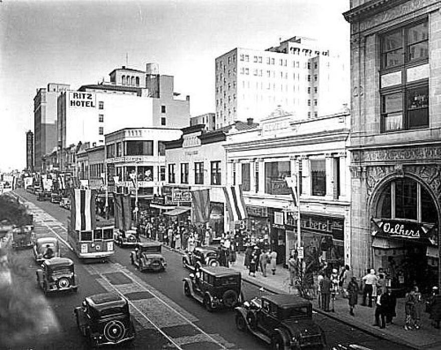 Flagler Street in 1935.jpg