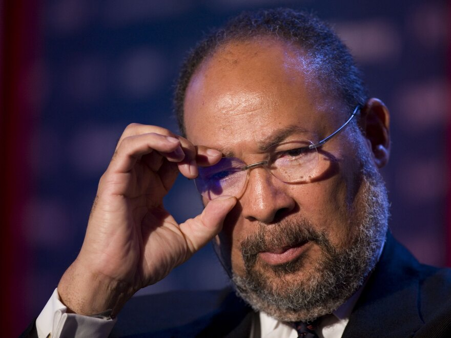 Former Time Warner CEO Richard Parsons was named interim CEO for the LA Clippers.