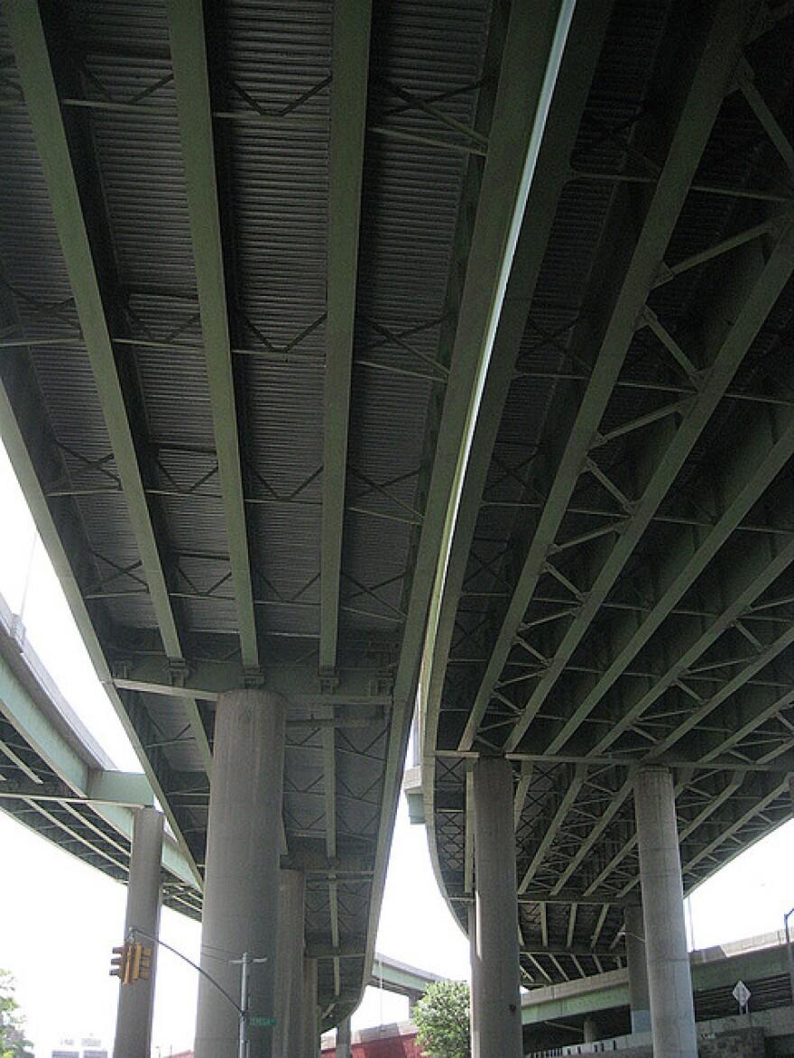 overpass_2.jpg