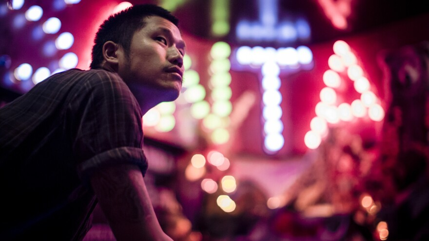Dirty Beaches is the performing title of the Taiwanese-Canadian musician Alex Zhang Hungtai. His new double album is called <em>Drifters / Love Is the Devil</em>