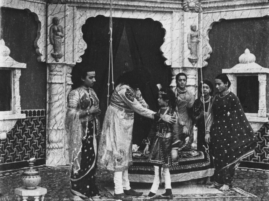 The film <em>Raja Harischandra</em> features an all-male cast, some of whom played female roles.