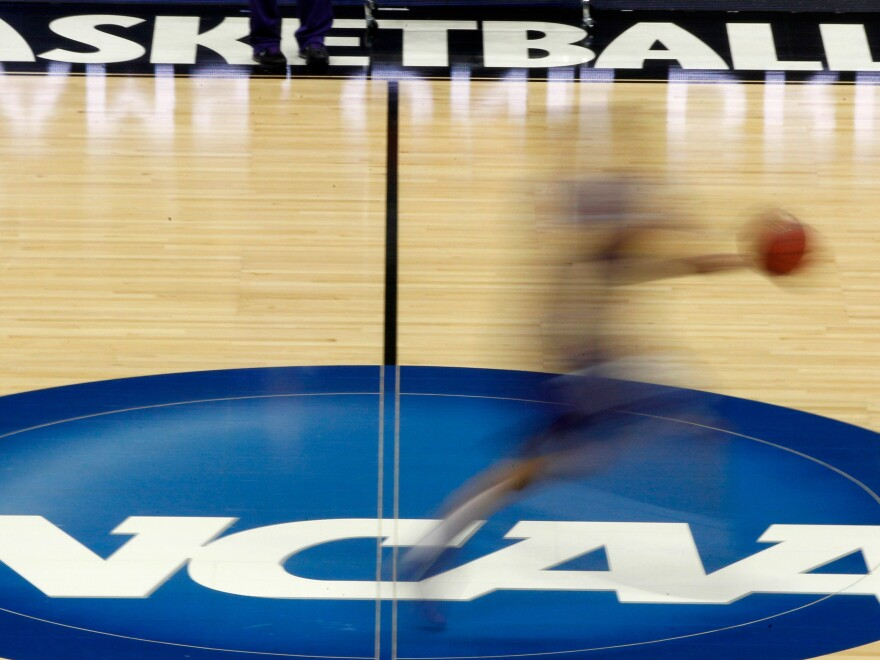 The NCAA Division I Council announced on Wednesday that the 2020-2021 men's and women's college basketball seasons can begin on Nov. 25.