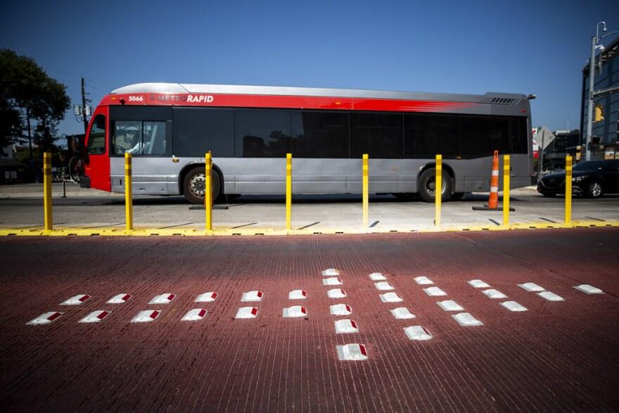 A MetroRapid bus