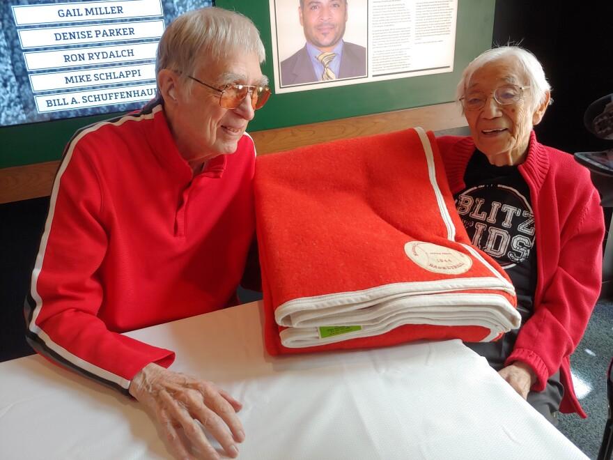 Photo of Arnie Ferrin and Wat Misaka.