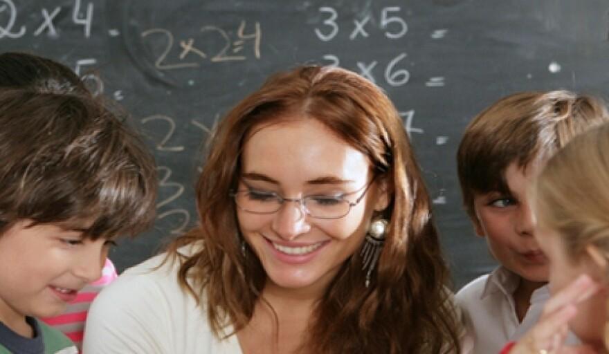 Teacher-With-Students_crop.jpg