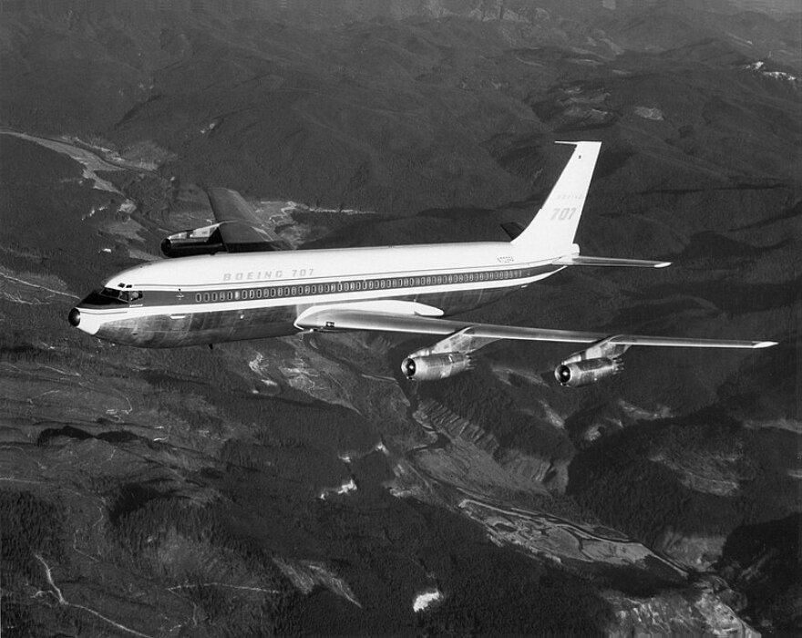 A picture of a Boeing 707 aircraft circa 1958.