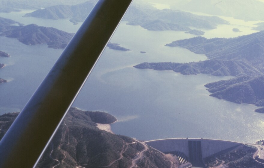 shasta_dam_and_lake_full.jpg