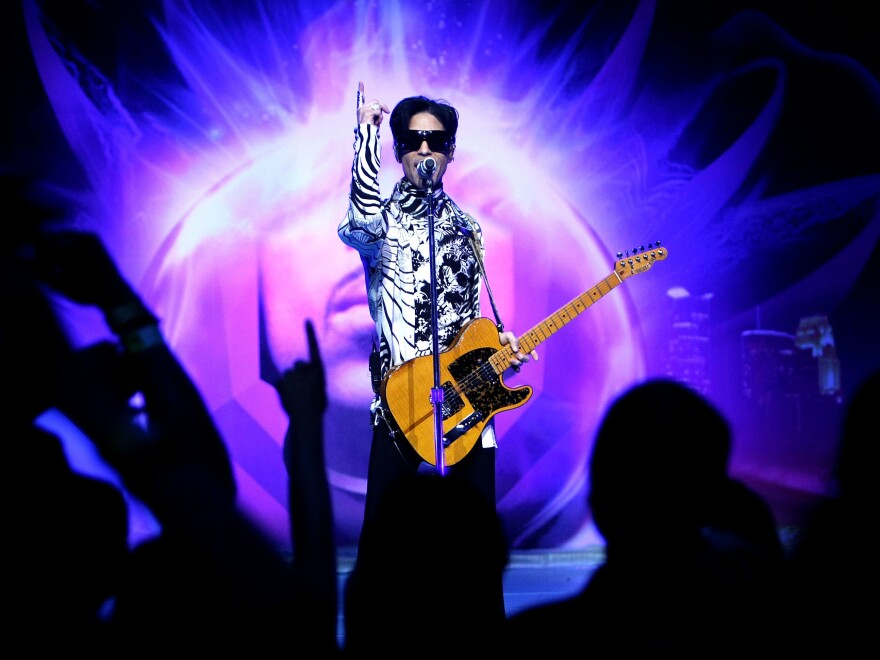 One family, known for their Christmas lights, is honoring the late pop icon Prince with their display this year. The family lives about 10 miles from Prince's estate, Paisley.
