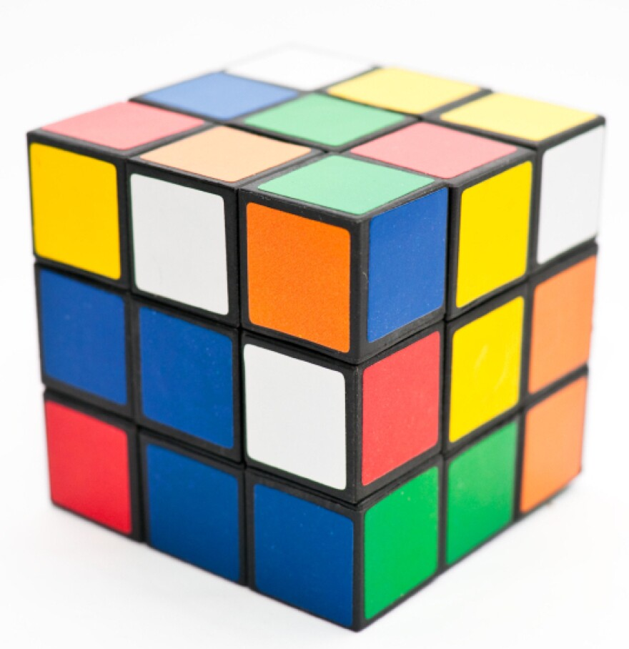 The new generation of Rubick's Cube players are stepping up their game, learning tips in online videos to solve the puzzle in seconds.