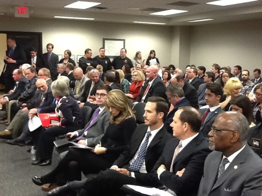 1-13-2014,_crowd_at_right-to-work_bill_hearing,_HB1099.JPG