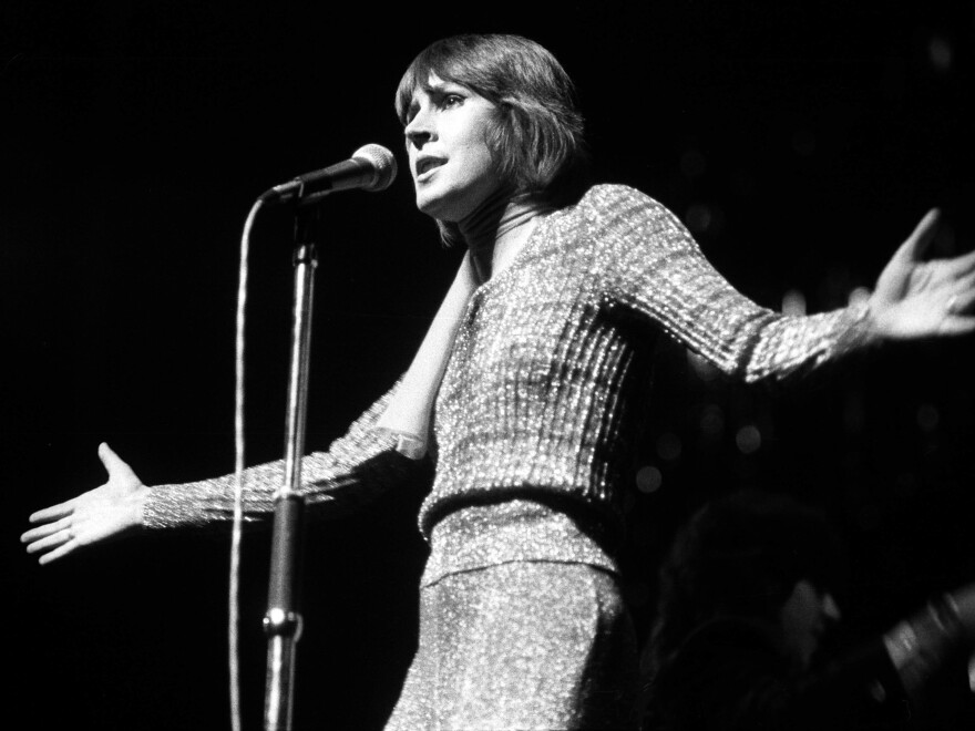Helen Reddy, performing in London in 1974.