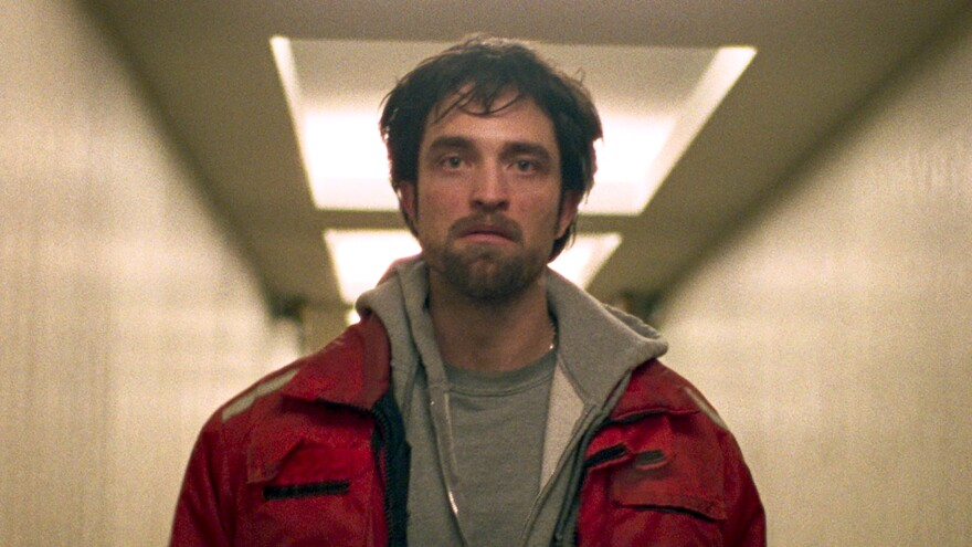 In <em>Good Time,</em> Robert Pattinson plays a small-time crook who must maneuver his way out of hair-raising situations.