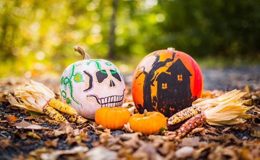 Dia De Los Muertos and Spooky House pumpkins