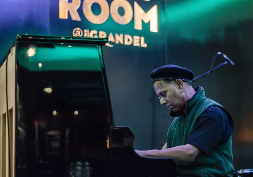 Pianist Ptah Williams, a regular performer at the Dark Room, will perform outside the venue on Friday. [7/2/20]