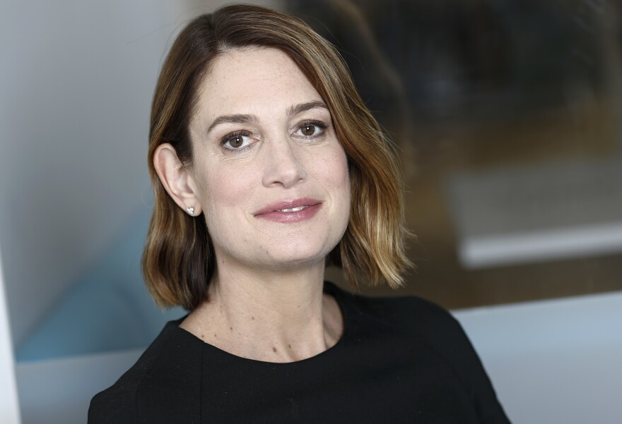 Gillian Flynn poses for a portrait. (Brian Ach/Invision/AP)